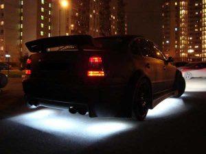 Существует ли штраф за подсветку днища автомобиля