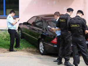 Что делать, если на автомобиль наложили арест судебные приставы